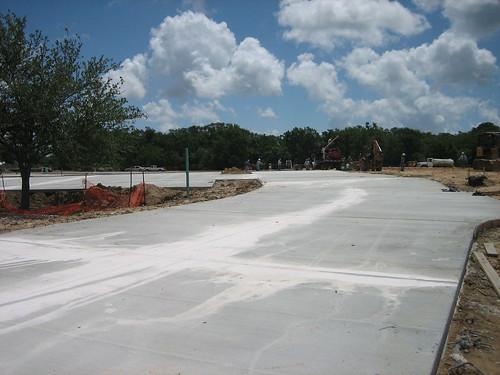 driveway & parking lot