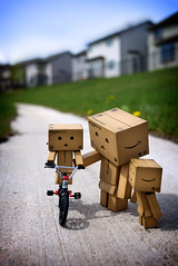 047/365:  Sunny Sunday Bicycle Lessons. (Randy Santa-Ana) Tags: bicycle toys ride sunday sunny learn danbo gf1 project365 danboard minidanboard minidanbo 365daysofdanbo