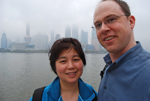 i48 - Chunlin and Mark on the Bund