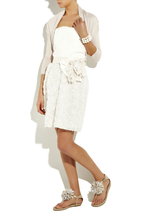 beyaz elbiseler