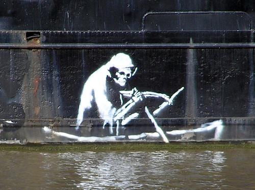 800px-Banksy_on_the_thekla_arp