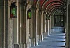 "Binnenhof Corridor • <a style=""font-size:0.8em;"" href=""http://www.flickr.com/photos/45090765@N05/4691281932/"" target=""_blank"">View on Flickr</a>"