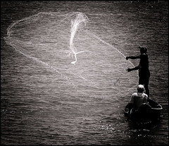 Pescador (Ricardo_ Lima) Tags: brazil blackandwhite bw net amazon noiretblanc santarém fisher pescador amazônia netfish