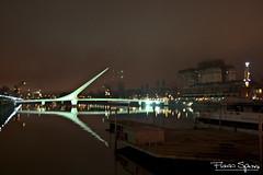 Puente de la Mujer (FlavioSpezia) Tags: color luz rio noche mujer buenosaires nocturna puertomadero reflejos iluminacion puentedelamujer reflejado