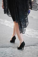 Tacones y Chantill (E.M.Lpez) Tags: primavera mujer camino zapatos pies caminar mayo tacones nazareno dolor procesion promesa andar cofrade mantilla penitencia cofradia hermandad priegodecrdoba