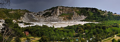 Solfatara, Pozzuoli (I) (Panoramyx) Tags: italien italy panorama volcano italia campania crater panoramica hdr italie magma vulcano italië volcan vulkan krater cratere pozzuoli volcán solfatara golfe cratère itàlia campiflegrei cráter volcà cràter 72oreanapoli 72hoursinnaples 72horasennápoles 72horesanàpols 72heuresànaples 72stundeinneapel 72uurinnapels