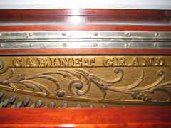 Berlin Piano - CABINET GRAND inscription (Ponyta!) Tags: music ontario berlin montral antique montreal victorian piano kitchener beethoven restored classical upright mozart musique vivaldi droit classique victorien restaur