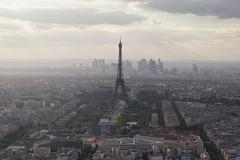 La Tour Eiffel (Andrew G Robertson) Tags: paris france eiffel tower tour city cityscape montparnasse haze fog canon5dmkiv mk4 mkiv 5d canon