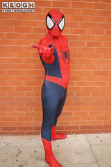 IMG_1816.jpg (Neil Keogh Photography) Tags: gloves spiderman tvfilm marvel theavengers webs boots comics red spidey blue spider theamazingspiderman mask videogames manchestersummerminicon marvelcomics jumpsuit black peterparker cosplayer cosplay male white