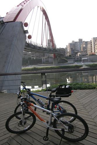 01.彩虹橋下