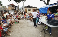 debriefing affected by typhoon relief goods