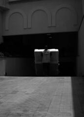 Man carring mattress (Carlos Ebert) Tags: man garage delivery mattress carryng