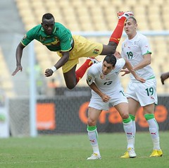 Vive les Blanc's! Algeria vs Mali (menosultra) Tags: cup algeria football team african soccer egypt can mai national hassan algerie coupe algrie karim 2010 angola afrique     socer ziani lquipe    algrienne  matmour yebda haliche