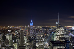 New York Skyline (Rinaldi Riccardo) Tags: city light sky ny newyork building rock skyline night canon eos top explore empire empirestatebuilding 16 rinaldi notte topoftherock eos450d città doppiar