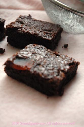 Brownie al doppio cioccolato e papaya