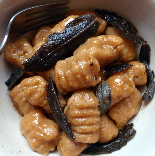Sweet Potato Gnocchi with Maple Cinnamon Sage Brown Butter (based on ...