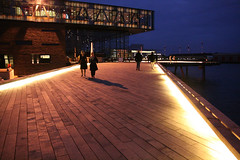 The Royal Danish Playhouse - the way in (Pirkipetola) Tags: light architecture copenhagen 09 nocturne