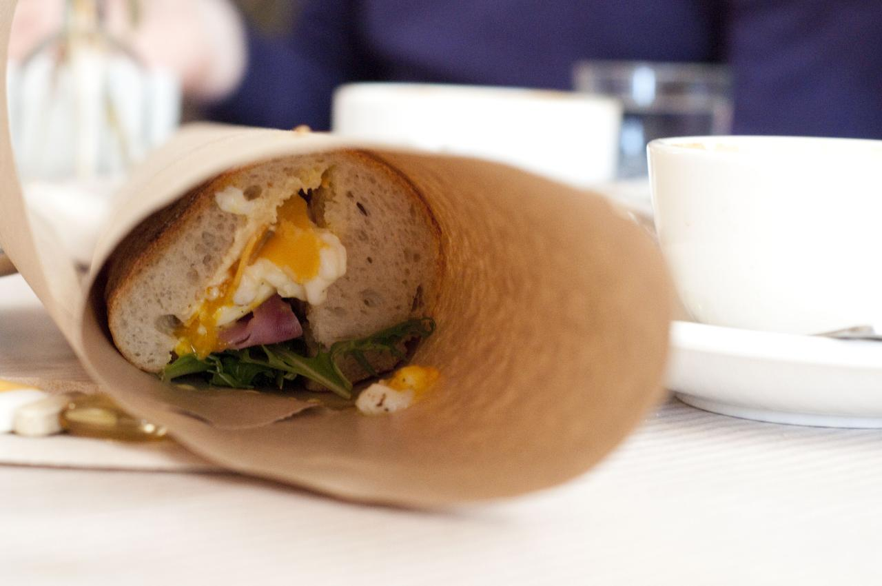 the breakfast baguette.