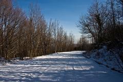 sentiero nella neve 2 (nordavind_89) Tags: italy canon eos 300d neve gran abruzzo sasso
