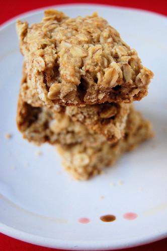 oat rolls biscuits