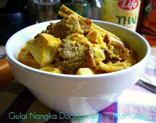 Gulai Nangka Daging Salai