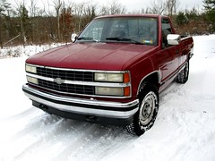 like a rock (frankieleon) Tags: snow chevrolet truck interestingness interesting gm bestof country cc chevy creativecommons popular silverado snowtires 34ton frankieleon 1992chevy strongarmor