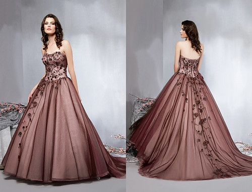 2010 Trends of Wedding Gowns Veromia