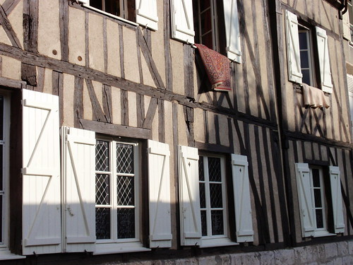 Chartres - timbered house