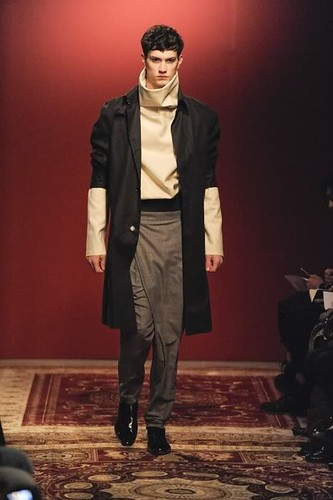 Theo Hall3035_FW10_Paris_Francisco van Benthum(lizzylily@mh)