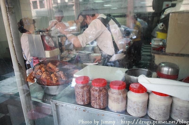 萬華周記肉粥-艋舺老店