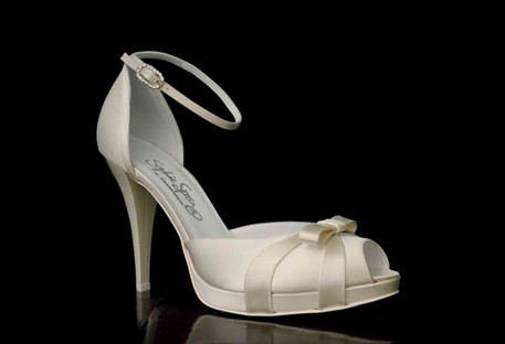 Wedding shoes Azzurra by Francesco.