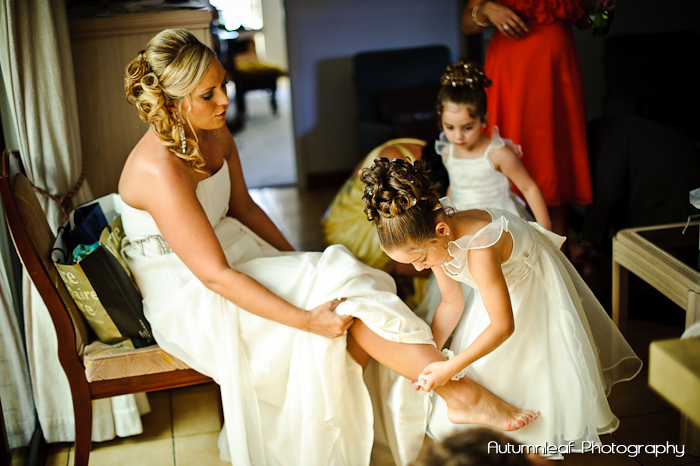 Gloria and Damian - Getting Ready (by Autumnleaf Photography)