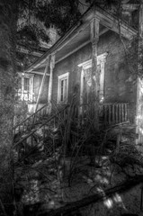Les nuits qui font frissonner  EXPLORE (Sous l'Oeil de Sylvie) Tags: blackandwhite house night danger noiretblanc decay haunted explore maison nuit hdr decayed abandonned blackdiamond horreur abandonn peur terreur dcrpitude dlabr photomatix hant dcrpit hdraddicted stealingshadows