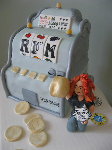 Slot Machine Cake by TheTopping