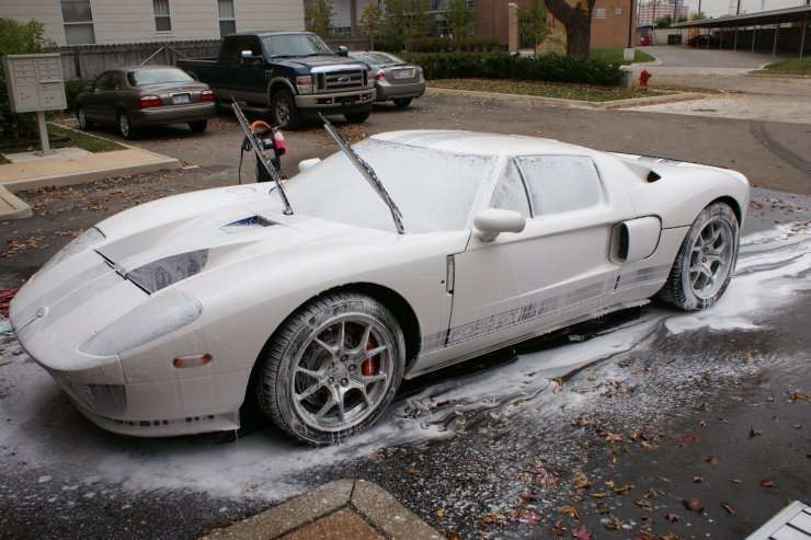 GT with thick layer of washing foam