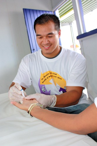 Volunteering with HIV Screening