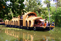 Kerala Houseboat (viwehei) Tags: brown india reflection green tourism water cane sand beige ship houseboat kerala greenery idyllic backwaters southindia backwatertour earthasia