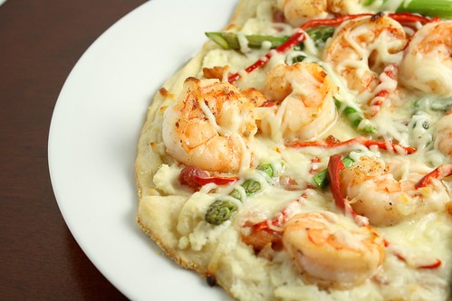 Spicy White Pizza with Bacon, Shrimp, and Asparagus