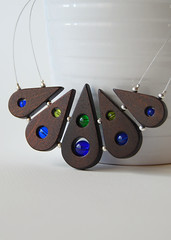 Colored peacock tail (Lucie Veilleux aka 3dots) Tags: wood modern necklace tail wing peacock jewelry birch minimalist 3dots