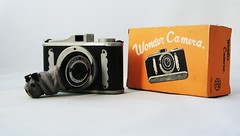 wonder camera ( picturemaker ) Tags: camera japan wonder toy 1950 kamera madeinjapan wunder wondercamera