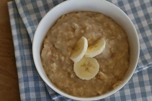 Alanna's oatmeal with peanut butter / Kaerahelbepuder maapähklivõiga