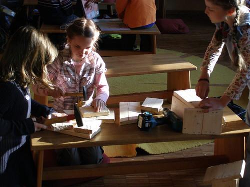 Kinder beim Arbeiten