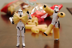 The Empire commands you to play with your food (-spam-) Tags: food canon toy bokeh 85mm pasta plastic stormtrooper 365 figurine sanremo spacetrooper 40d