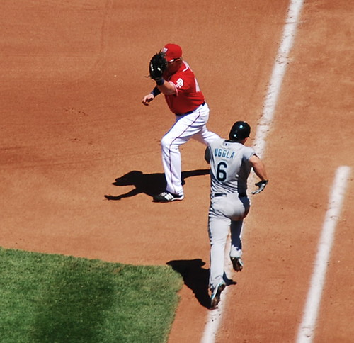 Uggla out at first
