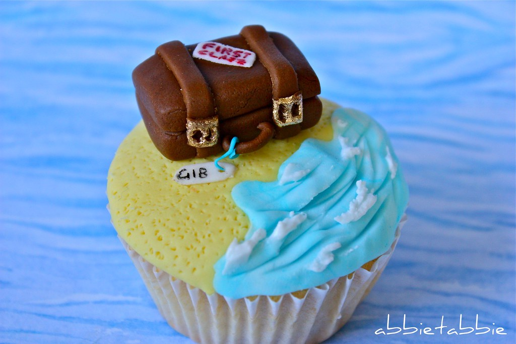 Beach cupcake from abbietabbie on Flickr
