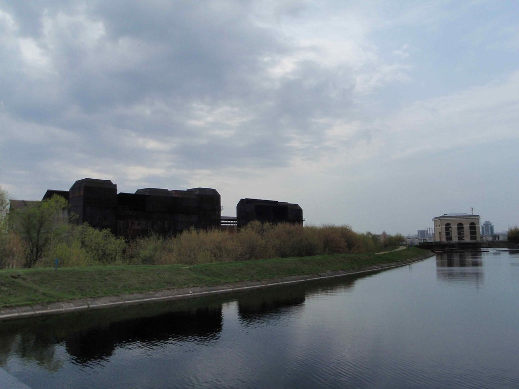 Tushino_derivation_canal
