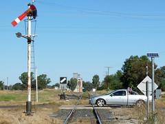 old but functional (sth475) Tags: railroad mechanical railway australia clear ute nsw signal semaphore levelcrossing indication peakhill lowerquadrant homesignal pointsindicator