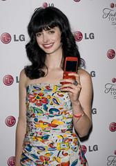 패션과 터치한 LG휴대폰