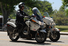 LOS ANGELES POLICE DEPARTMENT (LAPD) MOTOR OFFICERS (Navymailman) Tags: show california car woodland los team angeles police hills motorbike cop moto motorcycle law enforcement department officer drill lapd losangelespolicedepartment vtac