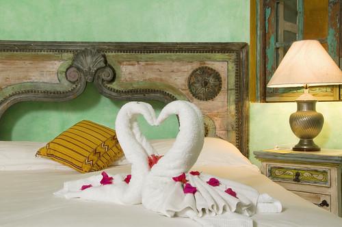 Towel Origami por Villa Amor in Sayulita, en Flickr